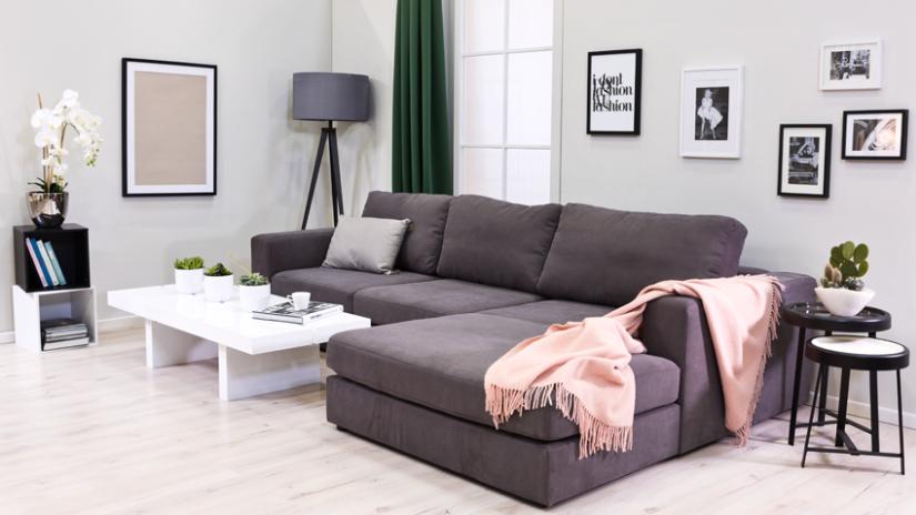 Biely klasický stolík do obývacej izby