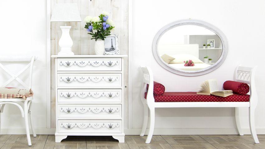Biela dizajnová lavica do interiéru