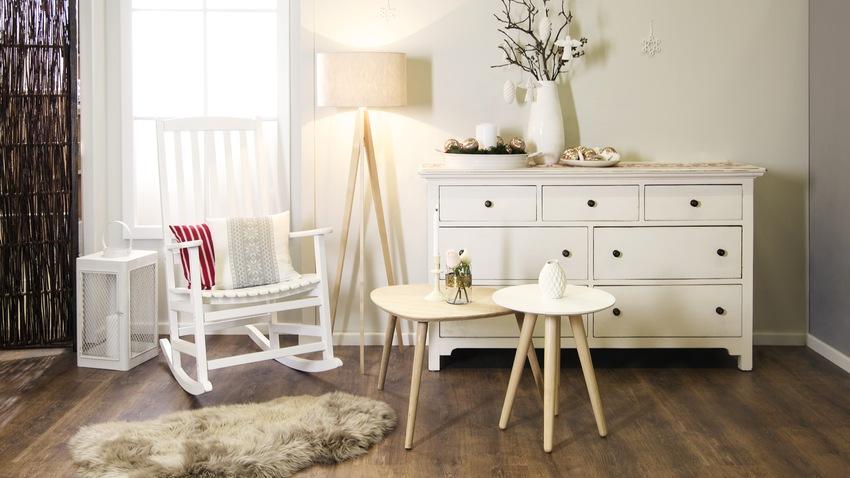 Biela štýlová komoda do obývačky