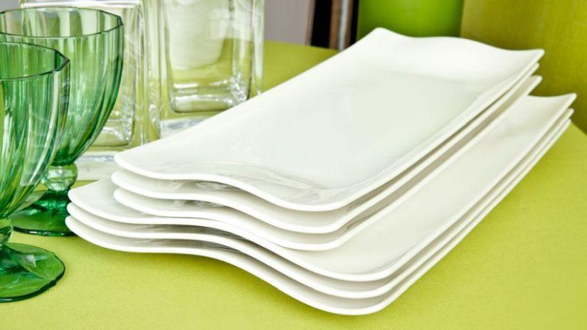 Biele taniere v oblžníkovom tvare