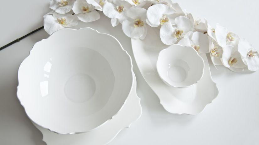 Biele hlboké taniere
