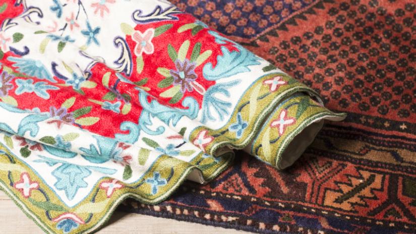 Štýlový červený orientálny koberec