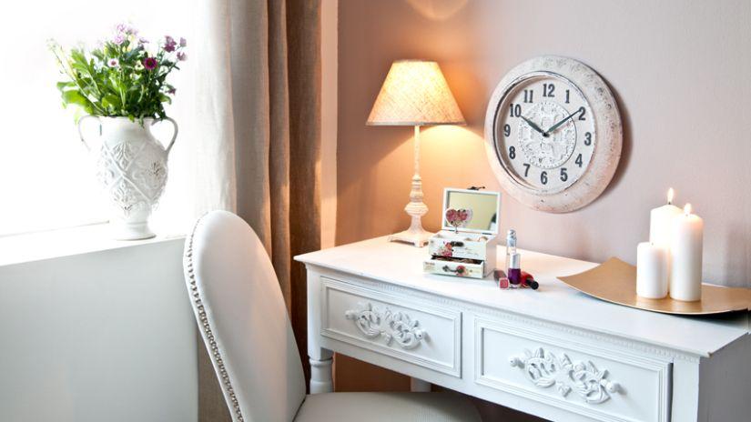 Matný biely nábytok