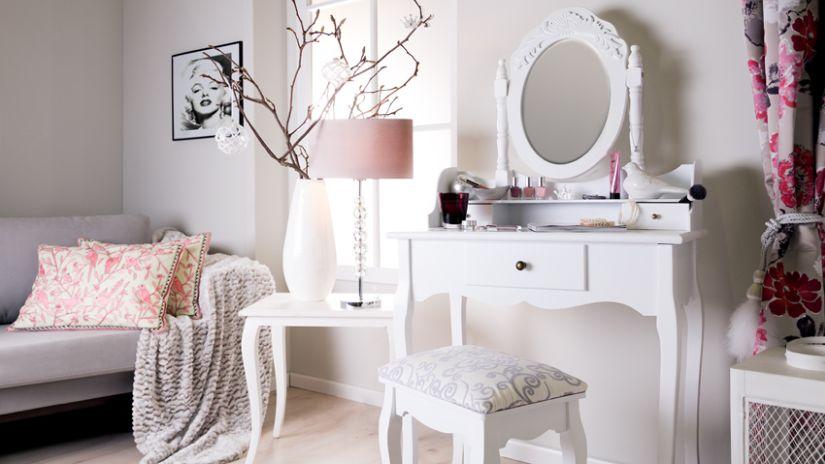 Dizajnový biely nábytok z dreva