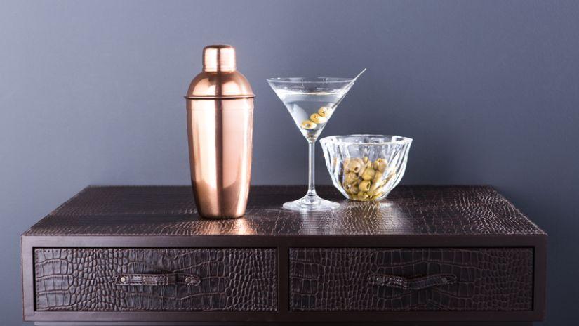 Klasický trendy pohár na martini