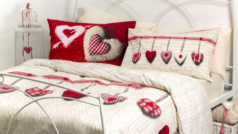 Biela kovová manželská posteľ