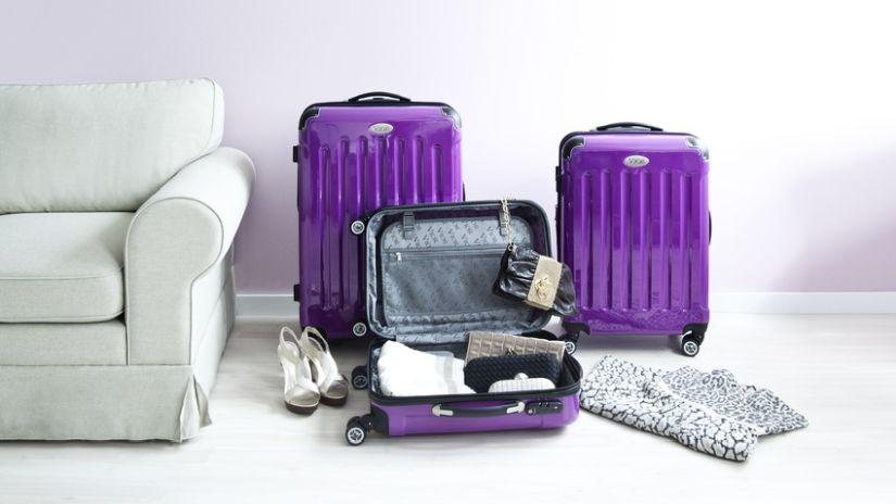 Dizajnové fialové kufre