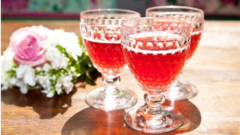 Malé krištáľové poháriky