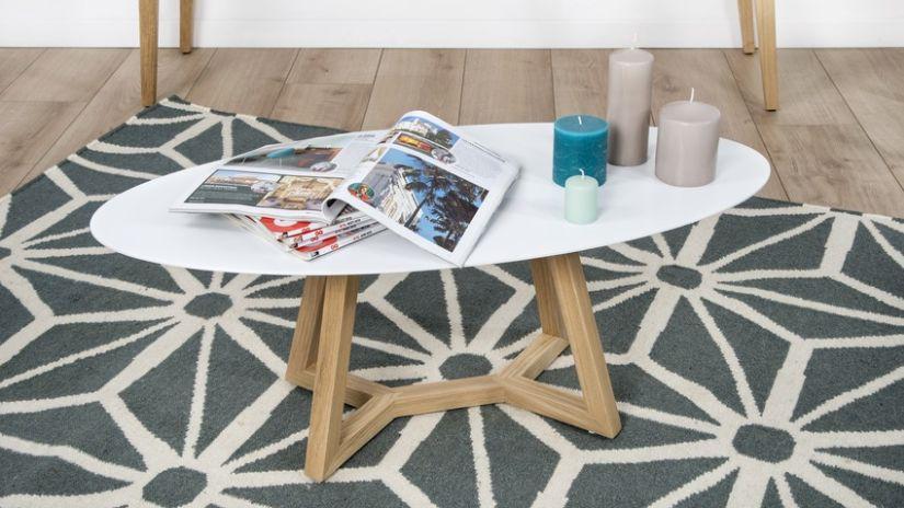 Trendy drevený konferenčný stolík