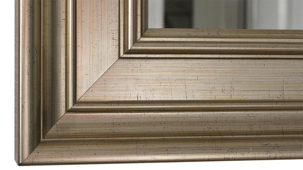 spiegel und wandspiegel nach mass online bestellen individuelle badspiegel lieferung in 7. Black Bedroom Furniture Sets. Home Design Ideas