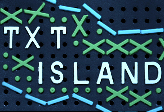 chrisgavinsmall_0.jpg - Txt Island - 1396