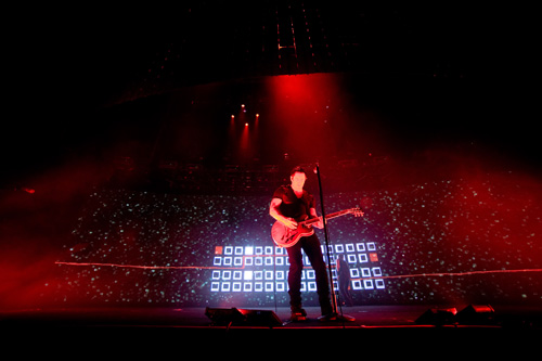 nin_0.jpg - CR Annual Best In Book: The Nine Inch Nails Interactive Stage - 1275