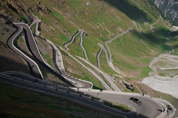 pgos_mb_switzerland_010_0.jpg - Hairpin bends, no lights, no problem - 2118