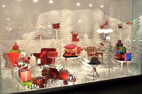 christmas_window_2010_1_2_0.jpg - Conran's recycled Christmas trees - 2914