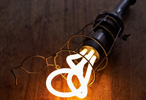 holder1388_0.jpg - Plumen lightbulb wins Design of the Year 2011 - 3140