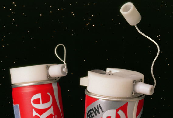 569spacecoke_0.jpg - Coke in Space - 3336