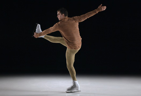 ls_fm_prada569_0.jpg - Super slo-mo fashion on ice - 3660