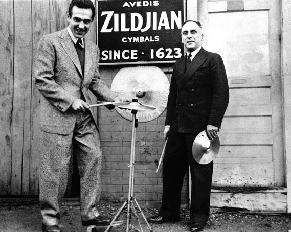gene_krupa_avedis_zildjian_0.jpg - A great symbol for a great cymbal - 3947