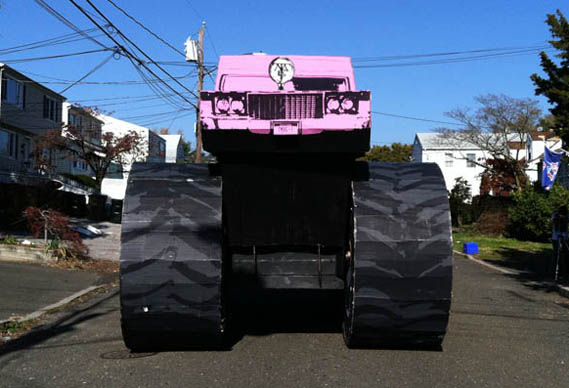 monster_front_0.jpg - Giant pink paper hearse alert - 4009