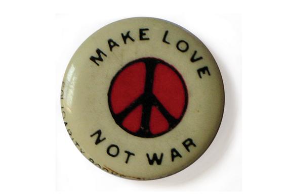 peace_button569_0.jpg - The story behind Make Love Not War - 4064