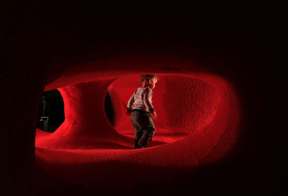 02_tuft__pula_img_4599_0.jpg - Tuft: a room made of tape and carpet - 4196