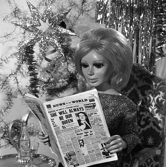Lady Penelope reading News of the World (1965)