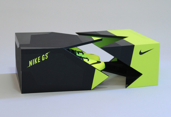 attachment1_0.jpg - Nike's ultra green GS football boot - 4561