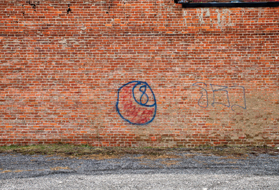 eightball_0.jpg - The book of bad graffiti - 4964