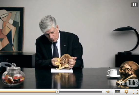 pgroupewishes2013_lion2_0.jpg - Publicis' Lévy sends himself up in interactive Xmas message - 4947