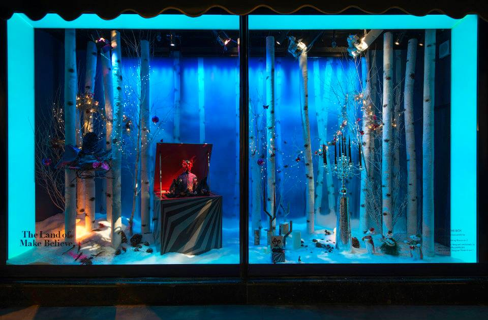 Christmas Window.Eight Of The Best Christmas Window Displays Creative Review