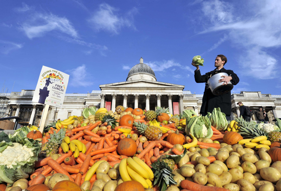 Tristram Stuart at the first Feeding the 5,000 initiaive at Trafalgar Square in London in 2009