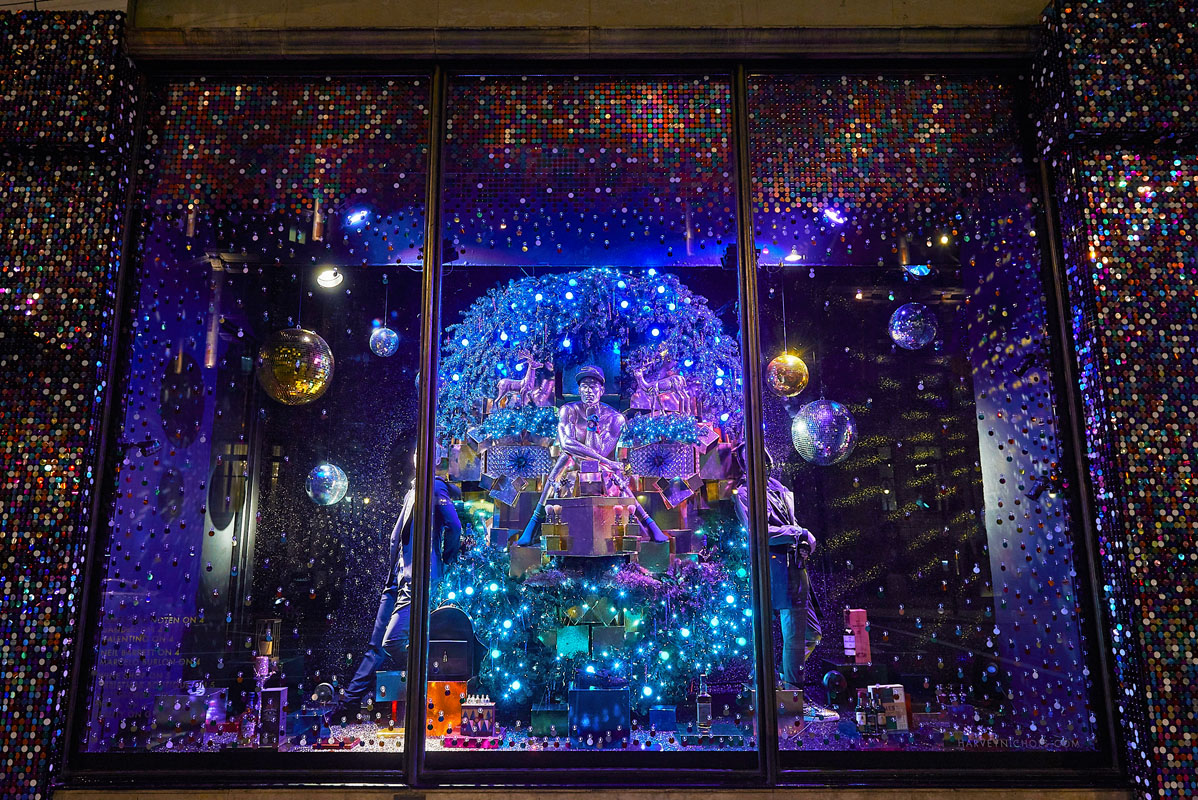 Harvey Nichols Christmas Windows - Heather Berrisford Getty Image - 1549