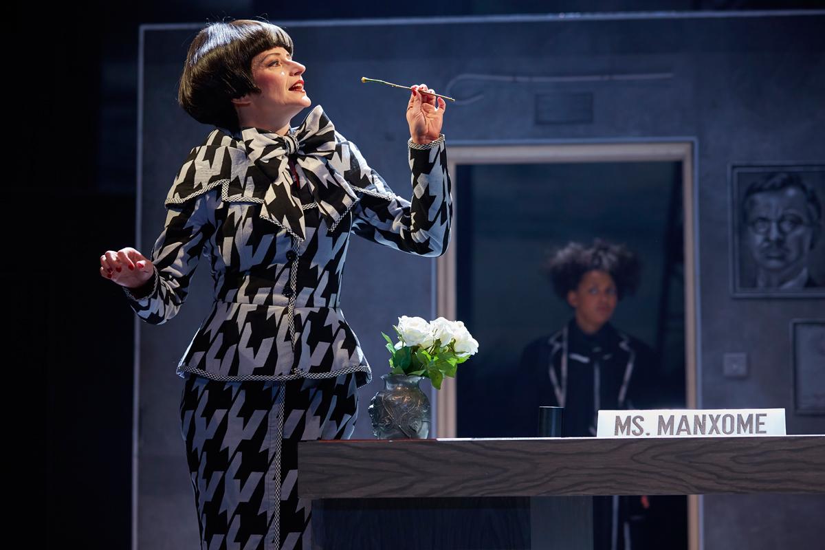 Anna Francolini as Ms Manxome