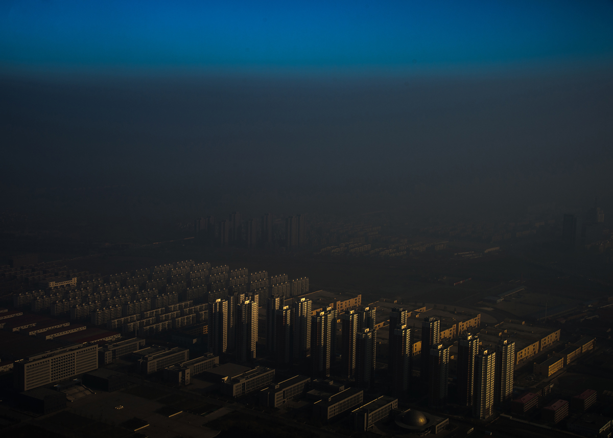 Haze in China, Zhang Lei, China, 2015, Tianjin Daily.