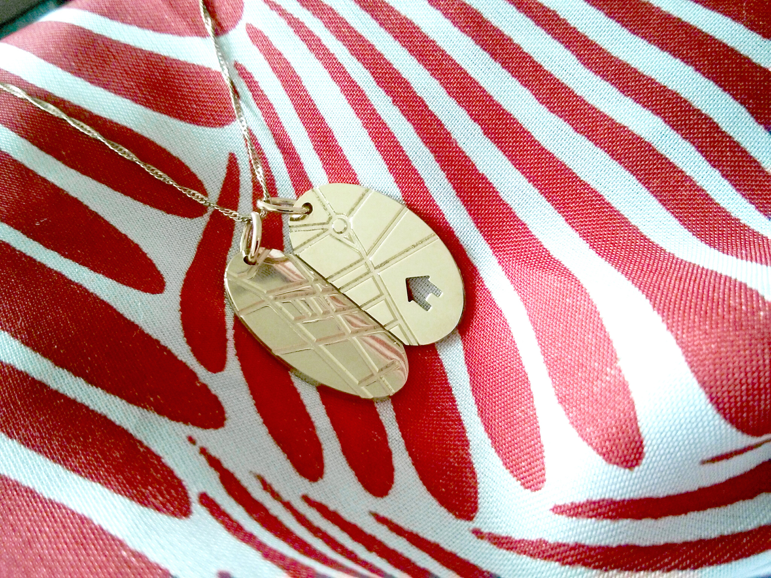 Pendant designed by Andrea Wilkinson, a design lecturer at LUCA School of Arts in Genk Belgium, for a woman with dementia who would often get lost while out walking