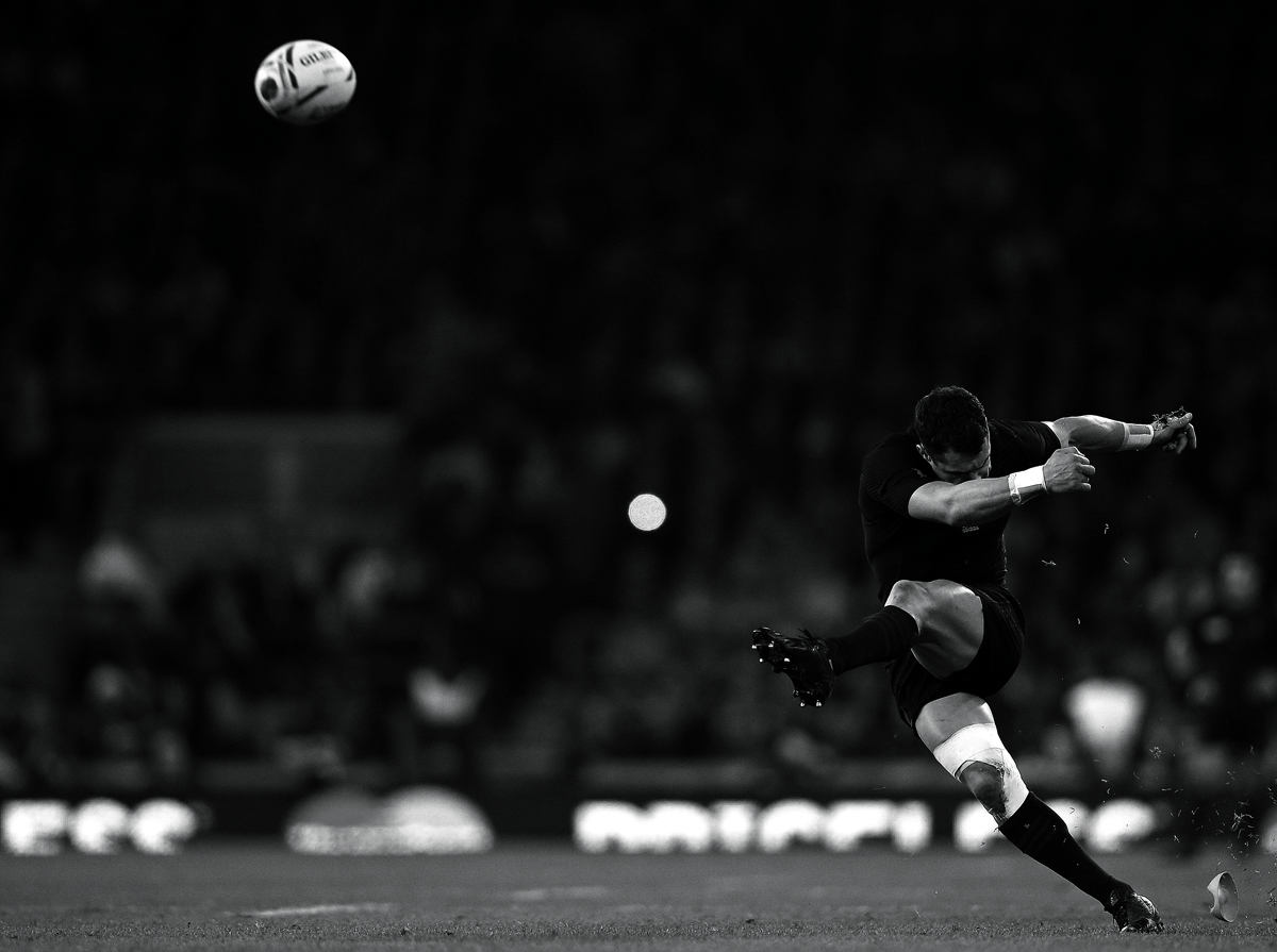 New Zealand's fly half Dan Carter converts his team's second try during the final match of the 2015 Rugby World Cup between New Zealand and Australia at Twickenham stadium, south west London, on October 31, 2015.