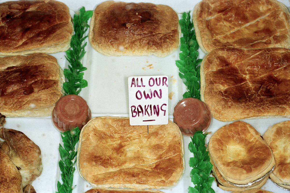 GB. Scotland. Glasgow. Pies. 1999. © Martin Parr / Magnum Photos