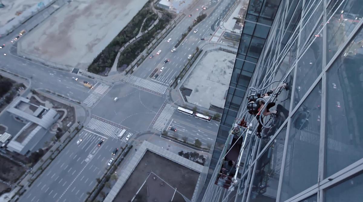 Still from LG CordZero stunt ad