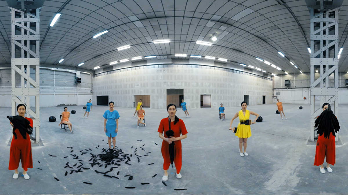 Cinemagraphs and dancing clones: Nexus and Eran Amir's 360° music video for Mind Enterprises
