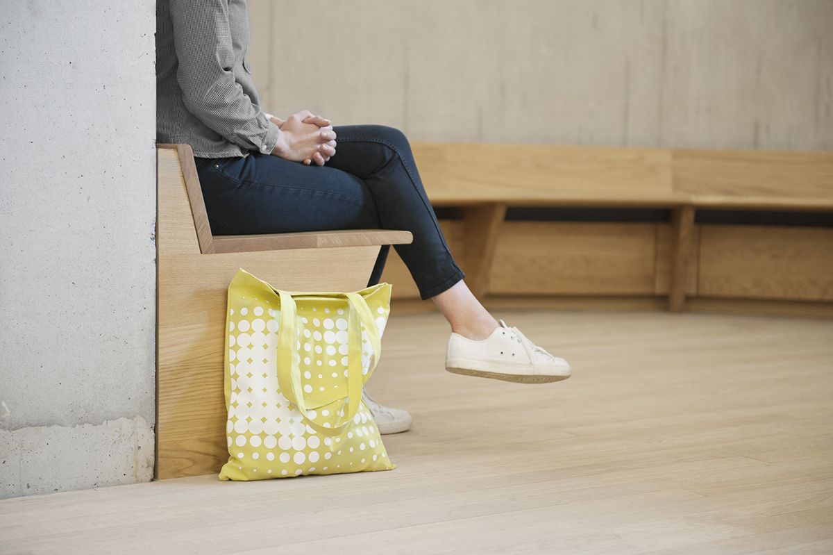 A tote with the new Tate identity