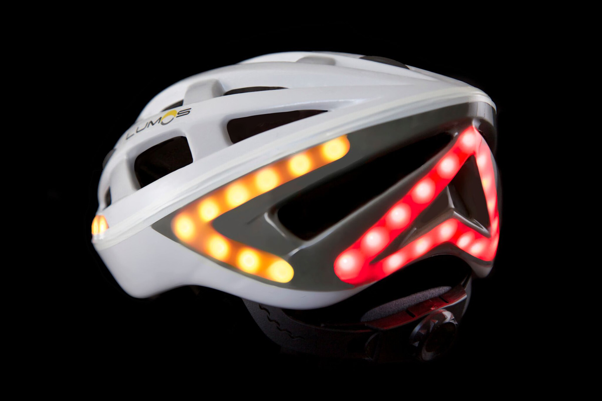 Lumos, a smart bicycle helmet with built-in brake lights and indicator lights, designed by Eu-wen Ding and Jeff Haoran Chen