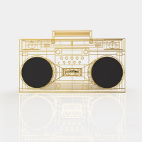 Qu'est-ce que c'est wireframe boom box created by Yuri Suzuki for Electro Craft
