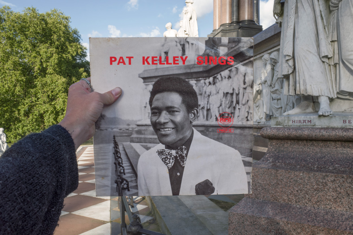 Pat Kelly, Pat Kelley Sings (Pama, 1969), rephotographed at the Albert Memorial, London SW7, 46 years later. Photos © 2016 Alex Bartsch, courtesy One Love Books