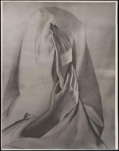 Erwin Blumenfeld, Hands, Paris, 1937, Silver Gelatin Print, Courtesy Osborne Samuel