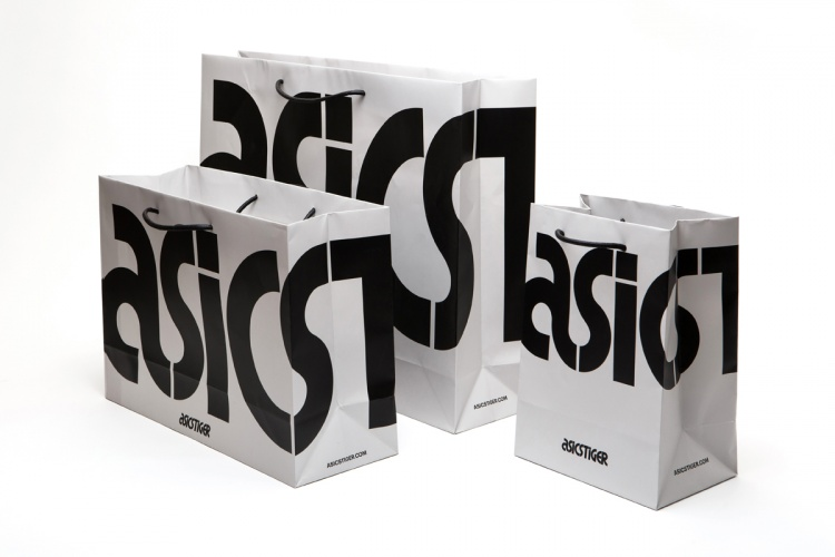 ASICS Tiger packaging
