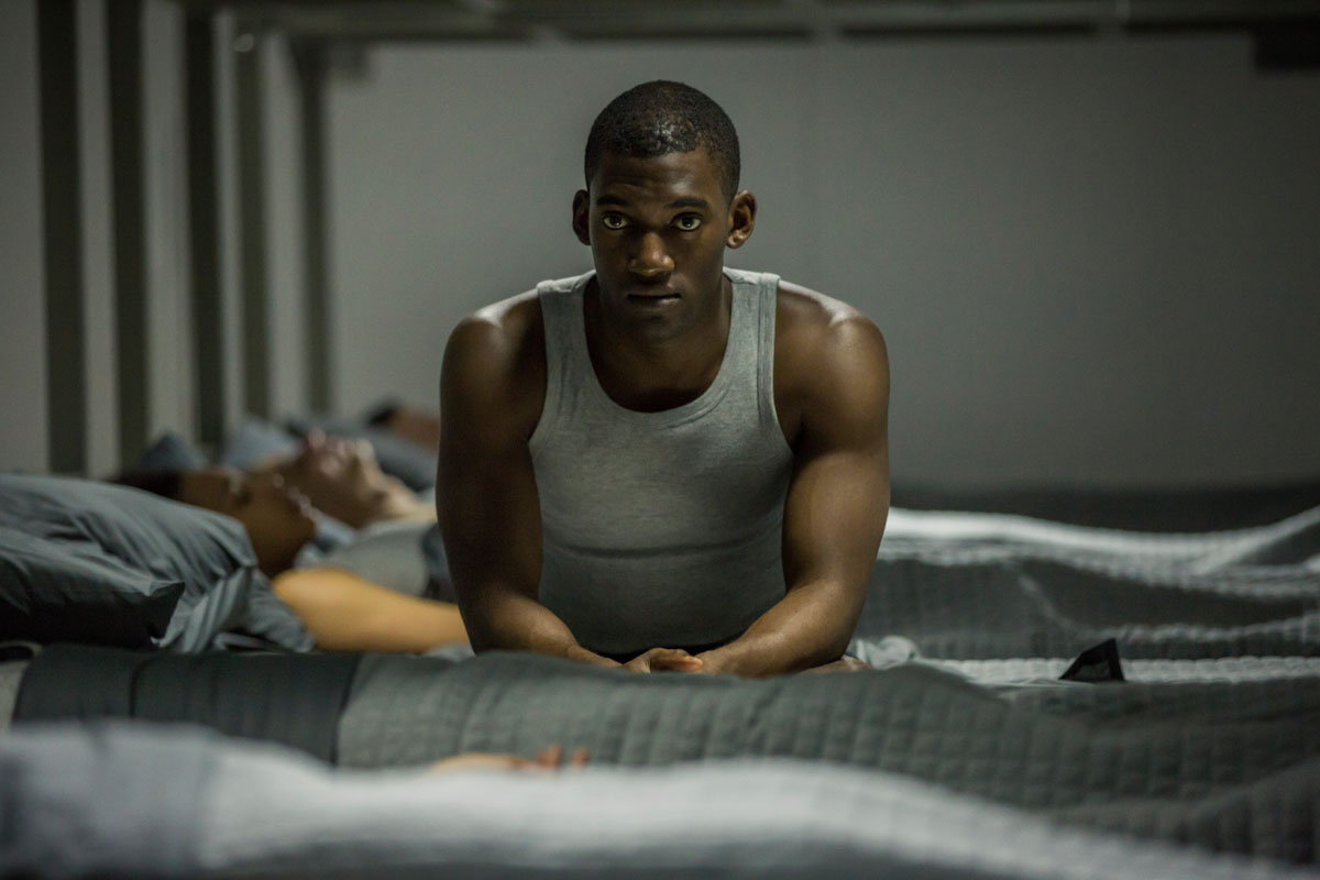 Black Mirror Malachi Kirby in episode 5, Men Against Fire. The episode explores the future of combat, with soldiers fighting 'cockroaches' in a post-apocalyptic setting