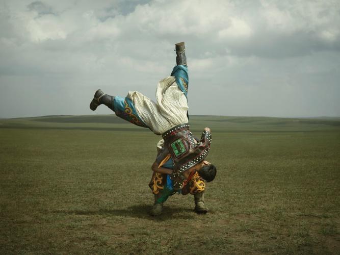 p1-0566-02-inner-mongolian-wrestlers
