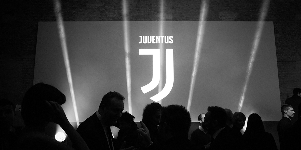 https://s3-eu-central-1.amazonaws.com/centaur-wp/creativereview/prod/content/uploads/2017/01/Juventus-2-2.jpg