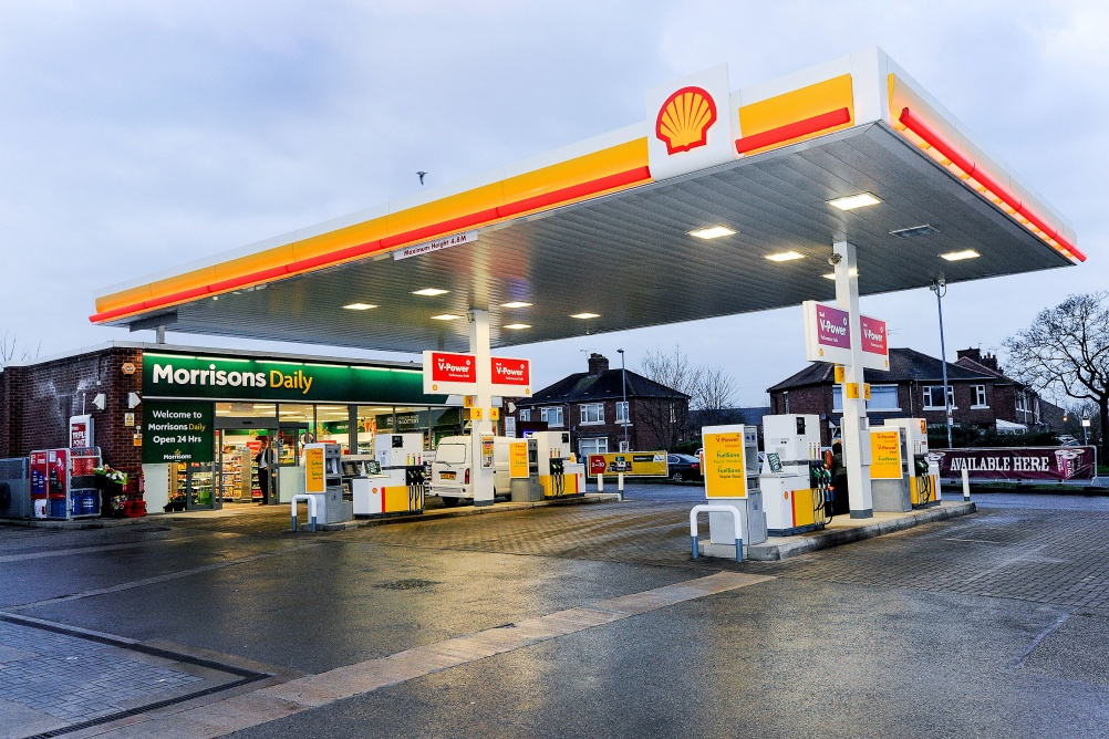 © Mike Poloway/UNP 01943884951. Opening new Morrisons branded Petrol station shop. Crewe. 14 December 2015.