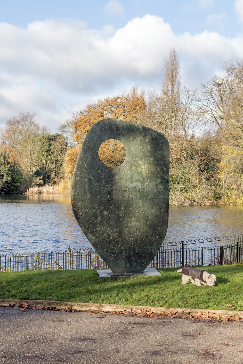 Single Form (Memorial) by Barbara Hepworth, Battersea Park, London, 1961-62. Listed Grade II* This was Hepworth's personal response to the death of her friend, the UN Secretary-General Dag Hammaskjold who was killed in a plane crash whilst on a peace mission to the Congo. It was the model for a much larger version outside the United National Secretariat building in New York- the most prestigious commission for her career. © Historic England